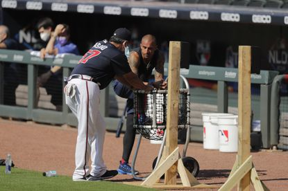 Braves veteran outfielder Nick Markakis opts out of season