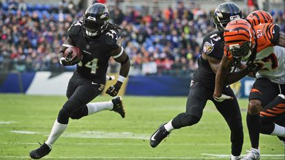 RB Alex Collins inactive against the Raiders; rookie Gus Edwards may get his first start