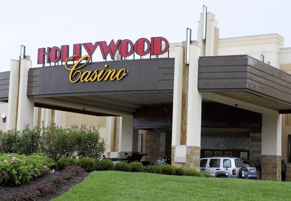 penn national hollywood sports betting