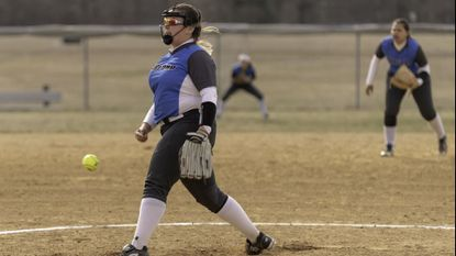 HCC softball team splits double header behind pitching of Sullivan