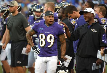 Ravenswide receiverSteve Smith Sr. (89) looks on as the teamheld an openfootball practice at M&T Bank Stadium on Aug. 3, 2015.