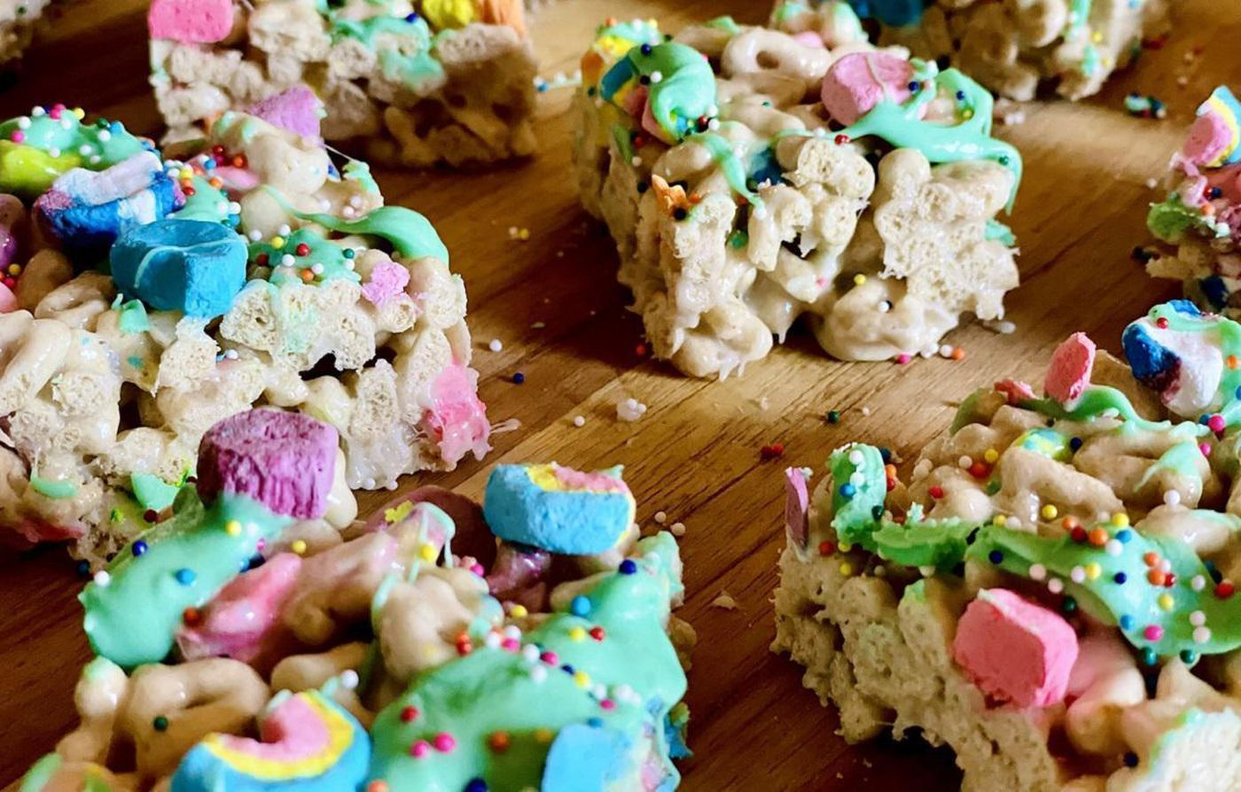 """Lucky Charms marshmallow treats 