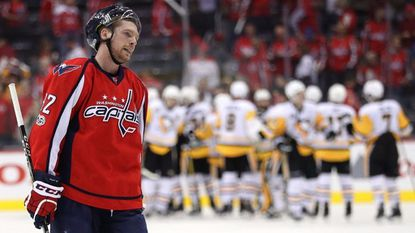NHL playoffs: Crosby scores twice in a minute to push Penguins past Capitals