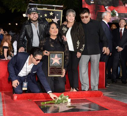 Record crowd attends star ceremony for Latin icon Selena