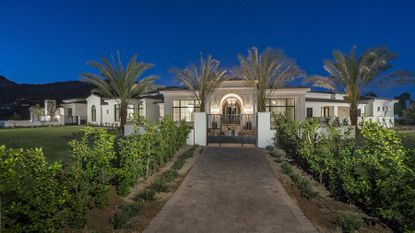 New Arizona mansion linked to Michael Phelps