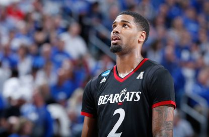 Octavius Ellis #2 of the Cincinnati Bearcats.