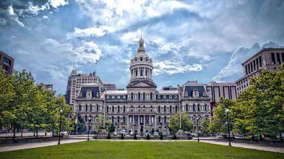 After amendments fight, Baltimore City Council moves $15 minimum wage bill