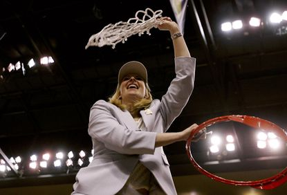 Terps women to celebrate 10th anniversary of hoops title on Jan. 2