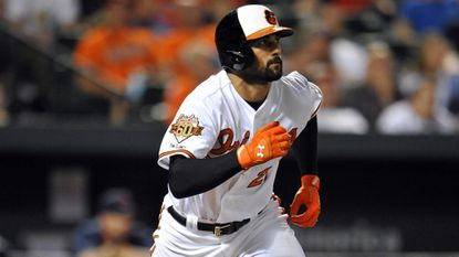 Free-agent right fielder Nick Markakis had dinner with representatives from the Atlanta Braves on Monday, according to a source.