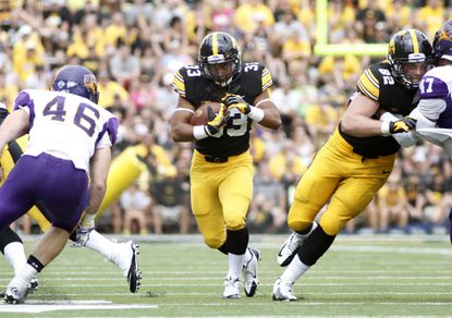 Iowa running back Jordan Canzeri rushes upfield during an Aug. 30 game against Northern Iowa at Kinnick Stadium. Terps players expect a run-heavy Hawkeyes offense Saturday.