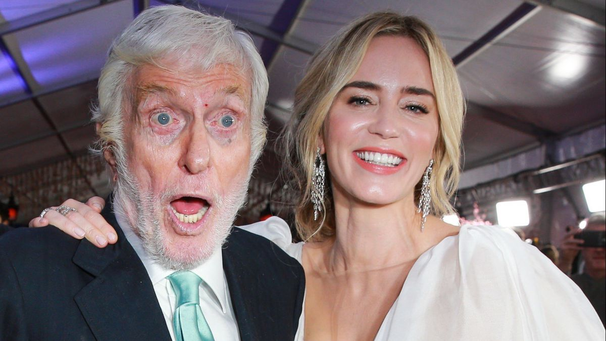 Dick Van Dyke Steals The Spotlight At Mary Poppins Returns Premiere Baltimore Sun