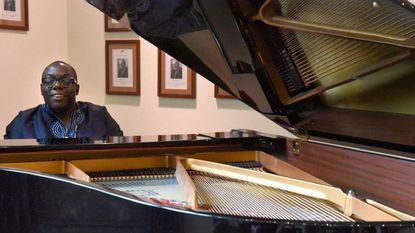 Jazz pianist Cyrus Chestnut.