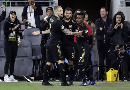 LAFC remains undefeated with 4-0 rout of D.C. United