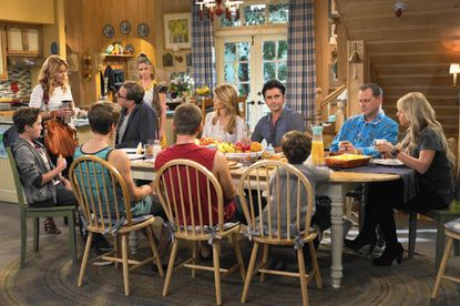 "The extended family gathers as the ""Fuller House"" crew moves into the old ""Full House"" residence."