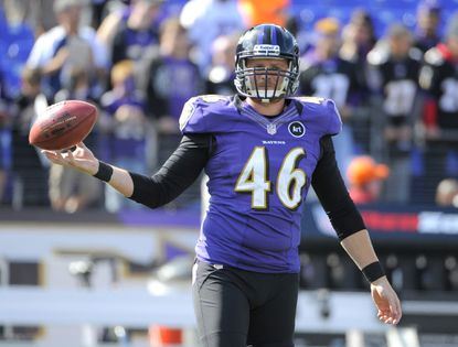 The Ravens re-signed long snapper Morgan Cox on Tuesday.