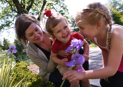 Families find respite from Mother's Day crowds at Cylburn Arboretum