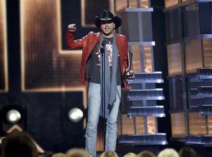 Aldean wins top prize, Backstreet Boys shine at ACM Awards