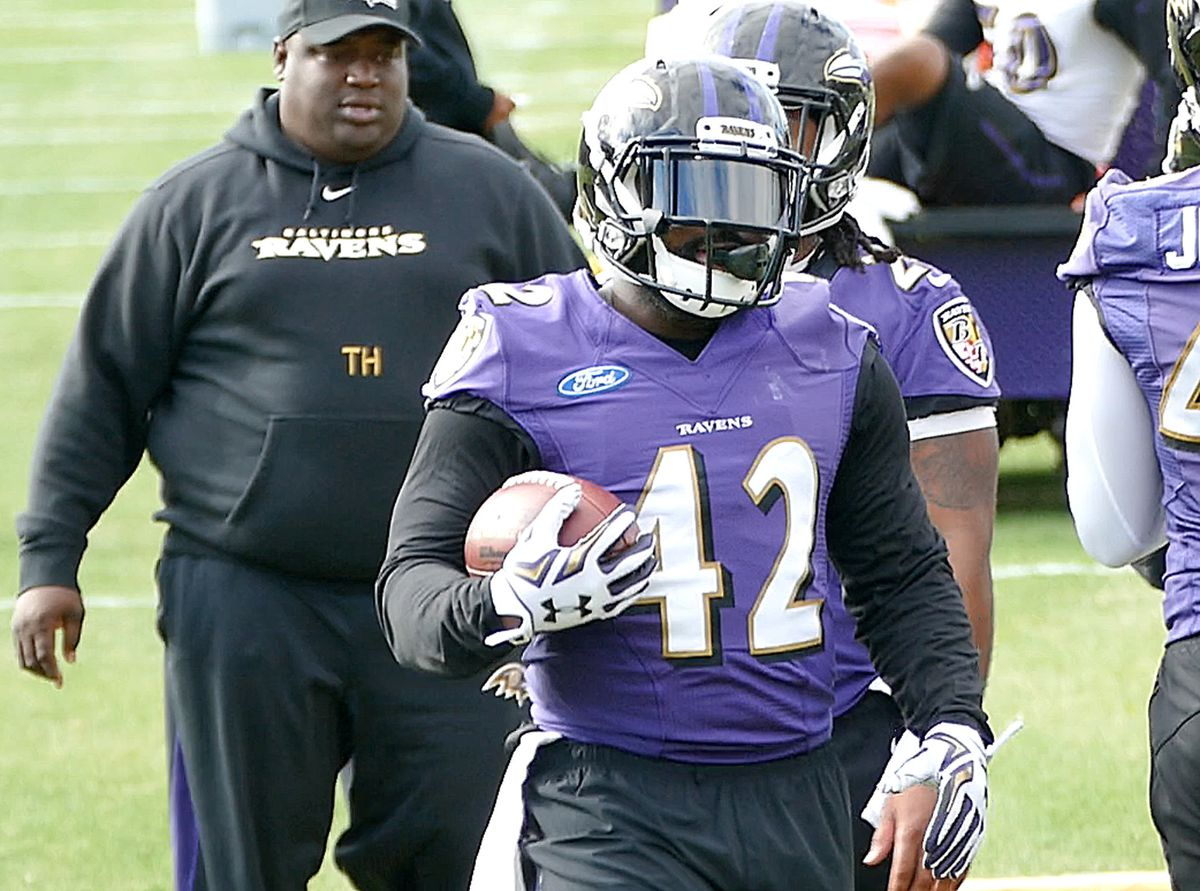 Former Towson star Terrance West takes No. 27 with Ray Rice's ...