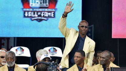 Hall of Fame group asks NFL for lifetime benefits, threatens boycott of enshrinement ceremonies