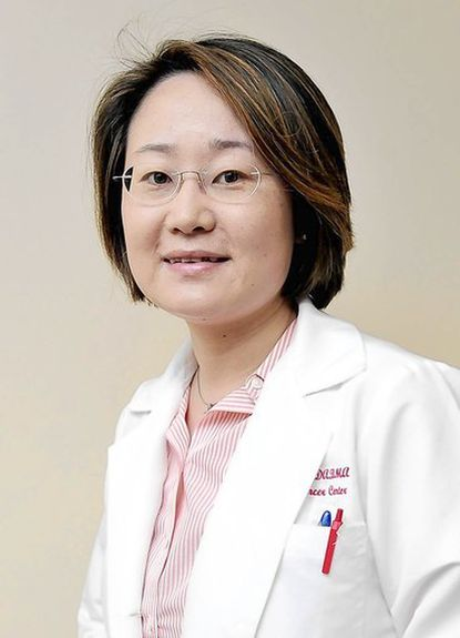 Dr. Ting Bao of the University of Maryland Medical Center uses acupuncture to alleviate pain and treat side effects of breast cancer.