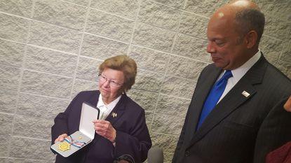 Mikulski gets a show from Secret Service at its training campus