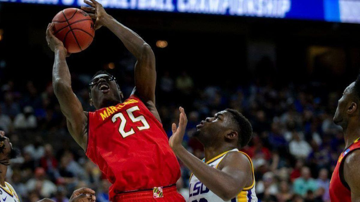 Jalen Smith will return for sophomore year at Maryland for a
