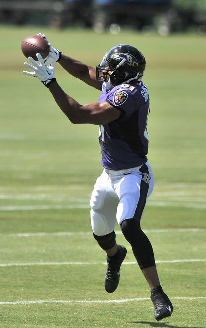 Newly acquired tight end Visanthe Shiancoe participates in his first practice with the Ravens on Monday.
