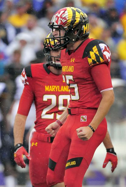 Brad Craddock reacts after nailing a 50-yard field goal during the second quarter of Maryland's win over West Virginia at M&T Bank Stadium.