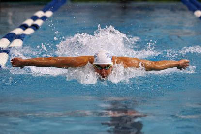 Phelps tunes up with fast times in Texas exhibition