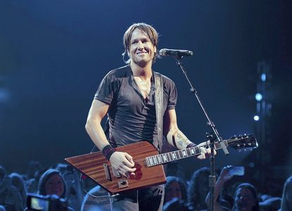 "Keith Urban brings his ""Get Closer"" tour to the Verizon Center in Washington."