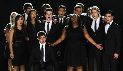 'Glee' fans bid farewell to Cory Monteith during tribute episode