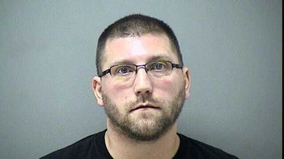 Police: Wisconsin sex offender charged after soliciting explicit photos from Carroll students
