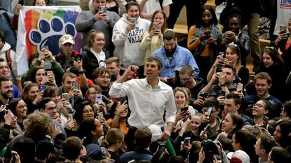 In a Penn State hat, Beto O'Rourke brings the 2020 presidential campaign to Pennsylvania