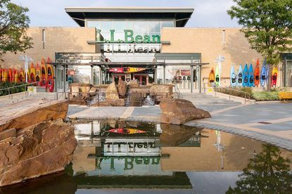 "The L.L. Bean store at the Columbia mall will be leveled to make room for an ""open-air plaza"" with new restaurants and retail stores."
