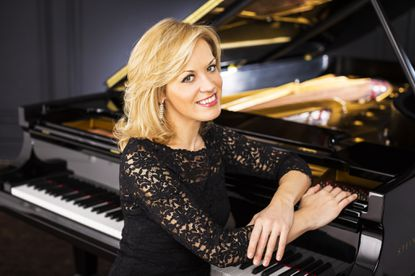 Alsop opens BSO subscription season with return to 'Alpine Symphony'