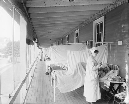 Fighting the Spanish flu at Walter Reed Hospital in Bethesda.