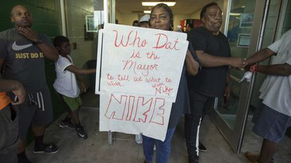 A mayor in Louisiana rescinds a city's ban on Nike products