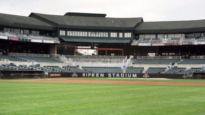 Aberdeen's mayor and city council members voted unanimously Monday evening to continue efforts to sell Ripken Stadium.