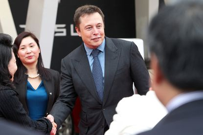 Elon Musk tells USC business graduates: Just work 'super' hard