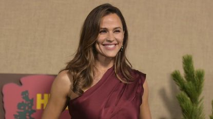 Jennifer Garner goes from 'band-geek chic' to People's most beautiful