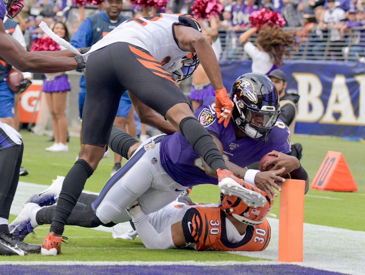 Instant analysis: Lamar Jackson's huge rushing day lifts Ravens over Bengals, 23-17