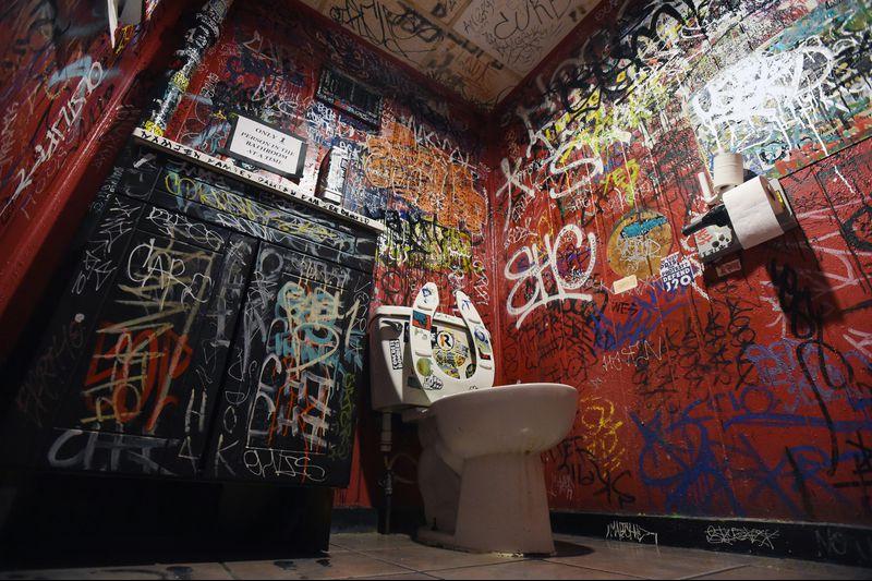The Best Bathroom Graffiti In Baltimore Baltimore Sun