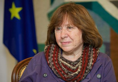 A photo taken on November 14, 2014 shows Belarusian journalist and writer Svetlana Alexievich during her visit to the Ukrainian embasy in Minsk. Belarus writer Svetlana Alexievich won the Nobel Literature Prize on October 8, 2015.