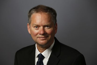 Jim Kirk will be named editor in chief of the Los Angeles Times.