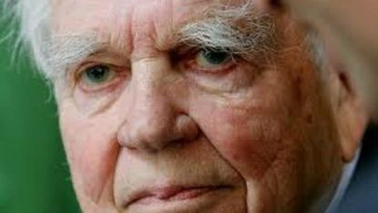 Long-time CBS broadcaster Andy Rooney dead at 92